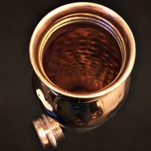 cuprul-si-beneficiile-acestuia-sticla-din-cupru-pentru-alcalinizarea-apei